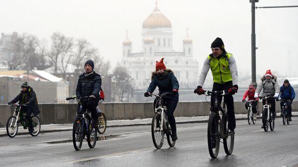 В воскресенье перекроют движение на трех московских набережных