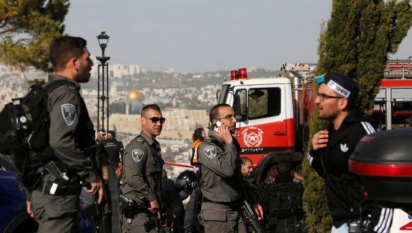 Грузовик наехал на пешеходов в Иерусалиме