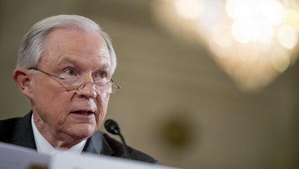 Кандидат в министры юстиции США сенатор-республиканец Джефф Сешнс. Архивное фото