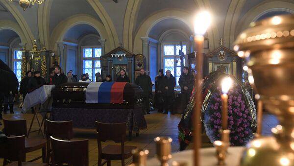 Церемония прощания с Елизаветой Глинкой, погибшей при крушении самолета Ту-154, в Успенском соборе Новодевичьего монастыря