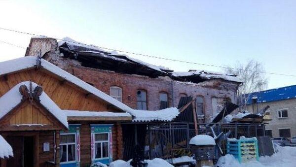 Обрушение кровли нежилого дома XIX века в Ирбите