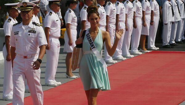 Участница конкурса Мисс Вселенная из Германии Йоханна Акс перед поездкой на пляжный курорт на яхте Счастливая жизнь, Филиппины
