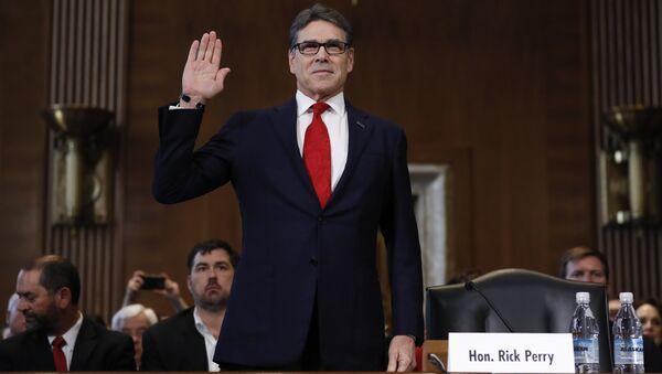 Кандидат на пост главы минэнерго США Рик Перри во время слушаний в комитете энергетики и природных ресурсов Сената США