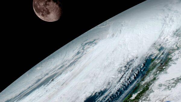 Одна из первых фотографий, полученных зондом GOES-16