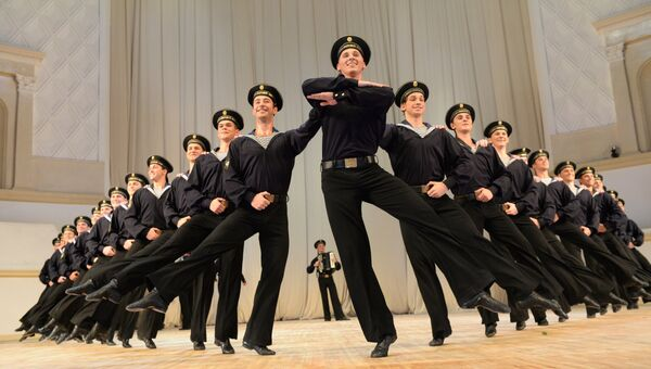Артисты ансамбля народного танца имени Игоря Моисеева. Архивное фото