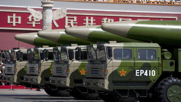 Баллистические ракеты армии Китая во время парада в Пекине, КНР