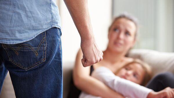Насилие в семье. Архивное фото
