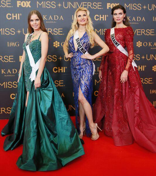 На красной ковровой дорожке Мисс Россия, Мисс Словения, Мисс Украина