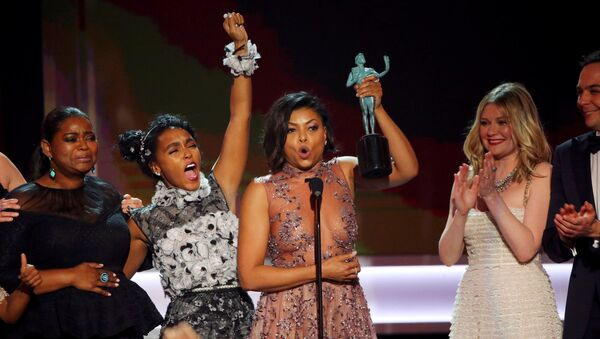 Октавия Спенсер, Жанель Моне и Тараджи Хенсон на церемонии вручения премии Гильдии киноактеров США в Лос-Анджелесе