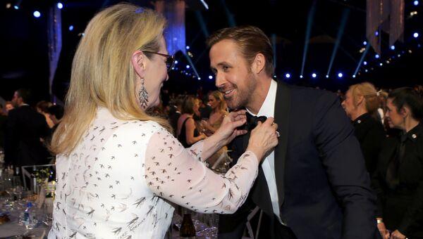 Мерил Стрип и Райан Гослинг на церемонии вручения премии Гильдии киноактеров США в Лос-Анджелесе