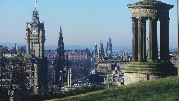 Монумент шотландскому философу Дугалду Стюарту на холме Кэлтон-хилл в Эдинбурге