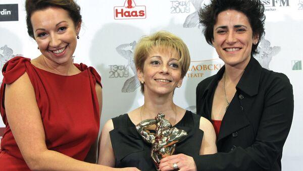 Оксана Барковская, Елизавета Глинка и Елена Погребижская на церемонии вручения премии ТЭФИ-2009 в Москве