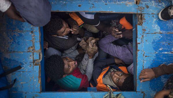 Mediterranean Migration  фотографа Mathieu Willcocks занявшего третье место в категории Горячие новости в фотоконкурсе World Press Photo