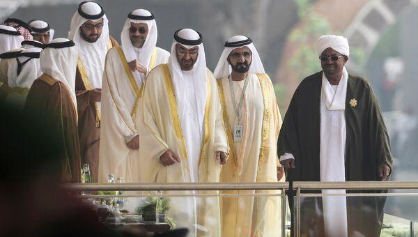 Шейх Мохаммед ибн Рашид Аль Мактум, Омар аль-Башир, Мухаммад ибн Зайд аль-Нахайян на церемонии открытия Международной выставки вооружения IDEX 2017 в Абу-Даби