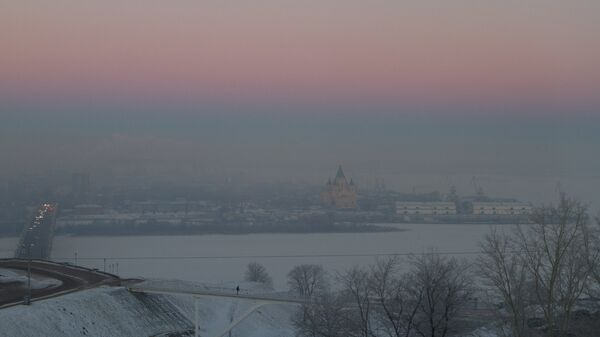 Вид на слияние рек Ока и Волга и собор Александра Невского в Нижнем Новгороде