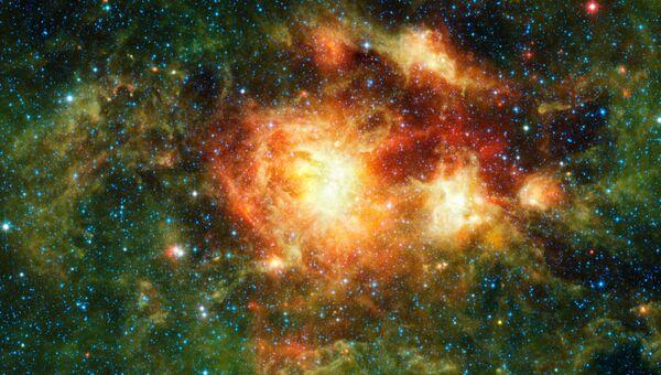 Фотография скопления звезд NGC 3603 сделанная инфракрасным космическим телескопом WISE