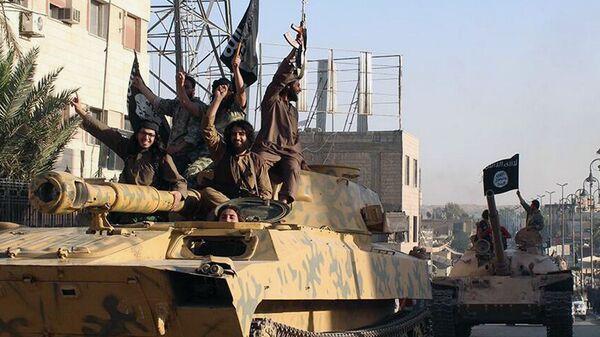 Боевики террористической группировки Исламское государство (ИГ, запрещена в РФ). Архивное фото
