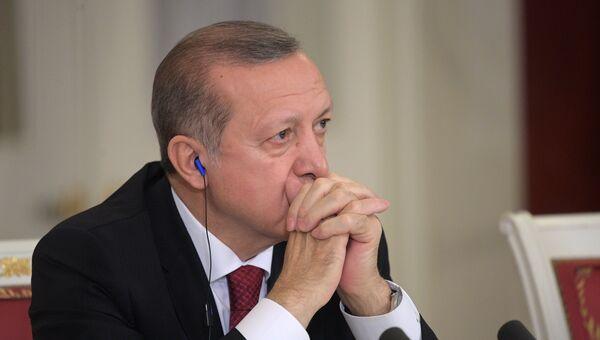 Президент РФ В. Путин принял участие в заседании Совета сотрудничества высшего уровня между РФ и Турцией. Архивное фото