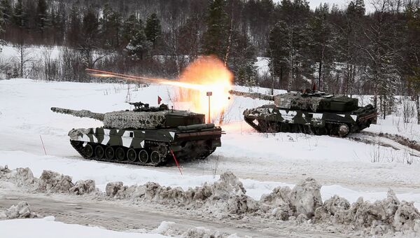 Танки вооруженных сил Норвегии во время совместных учений НАТО. Архивное фото