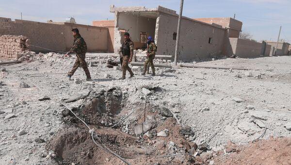 Члены организации Демократические силы Сирии (ДСС) в окрестностях Ракки. Архивное фото