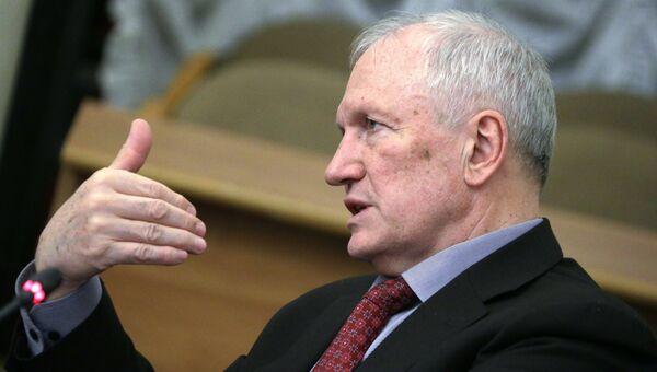 Исполняющий обязанности президента РАН Валерий Козлов. Архивное фото