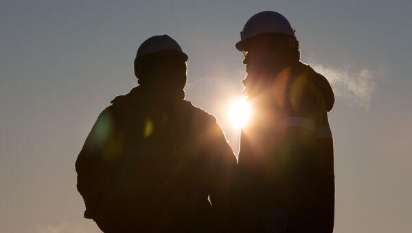 Сотрудники нефтяной компании Роснефть. Архивное фото
