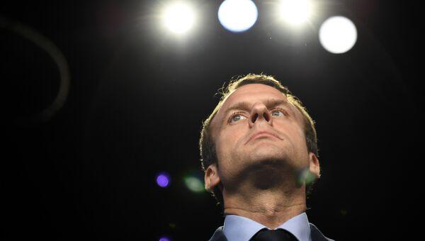 Кандидат в президенты Франции Эммануэль Макрон на теледебатах