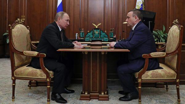 Президент РФ Владимир Путин и врио главы Марий Эл Александр Евстифеев. Архивное фото