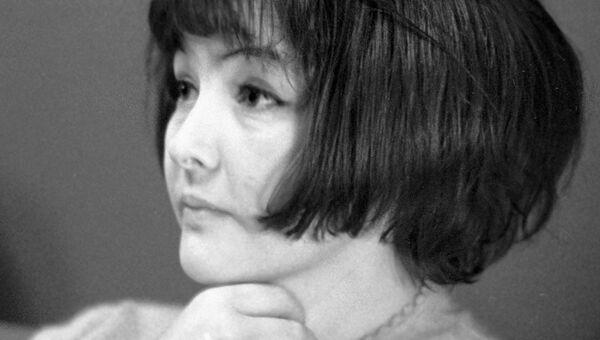 Поэтесса Белла Ахмадулина. Архивное фото