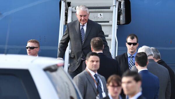 Государственный секретарь США Рекс Тиллерсон, прибывший с рабочим визитом в РФ, в аэропорту Внуково-2. 11 апреля 2017