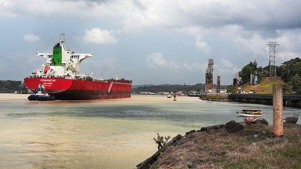 Панамский канал в окрестностях города Гамбоа