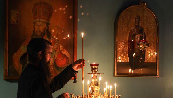 Богослужение в православном храме. Архивное фото
