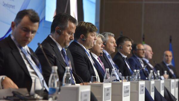 Участники на Ялтинском международном экономическом форуме в Крыму. Архивное фото