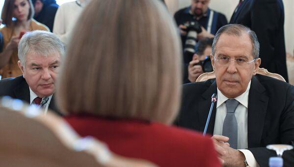 Министр иностранных дел Сергей Лавров во время встречи в Москве с высоким представителем ЕС по иностранным делам и политике безопасности Федерикой Могерини. 24 апреля 2017