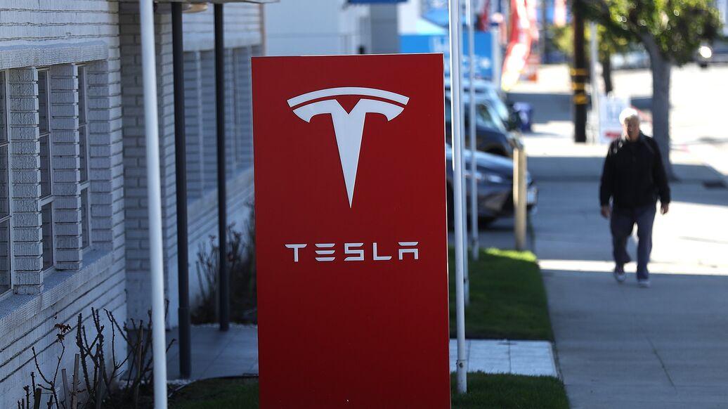 Tesla exigió más de $ 167 millones a un ex empleado