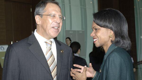 Министр иностранных дел РФ Сергей Лавров и бывший государственный секретарь США Кондолиза Райс. Архивное фото