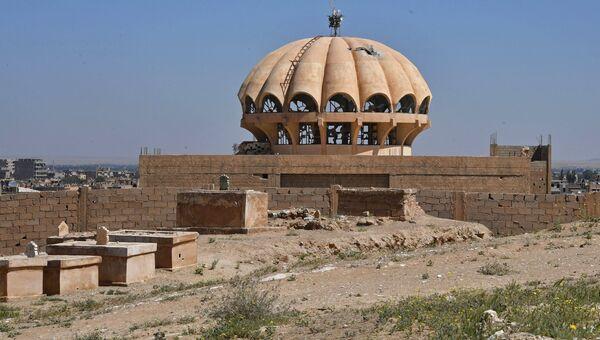 Здание на окраине сирийского города Дейр-эз-Зор. Архивное фото