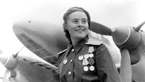 Герой Советского Союза заместитель командира эскадрильи 125-го гвардейского авиационного женского полка Мария Долина