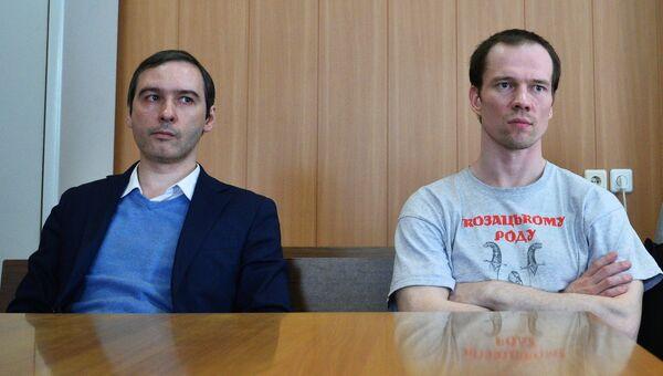 Первый осужденный в РФ за неоднократное нарушение правил проведения митингов Ильдар Дадин в здании Тверского суда Москвы. Архивное фото