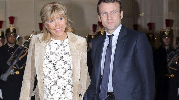 Эммануэль Макрон с супругой Брижит