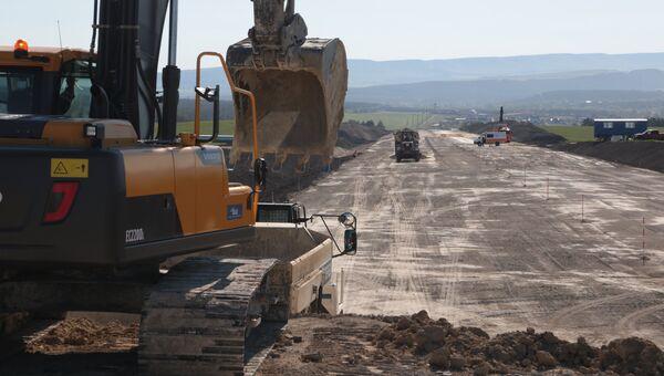 Строительство федеральной трассы Таврида в Крыму. 12 мая 2017