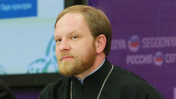 Пресс-секретарь патриарха Кирилла священник Александр Волков на пресс-конференции в МИА Россия сегодня. Архивное фото