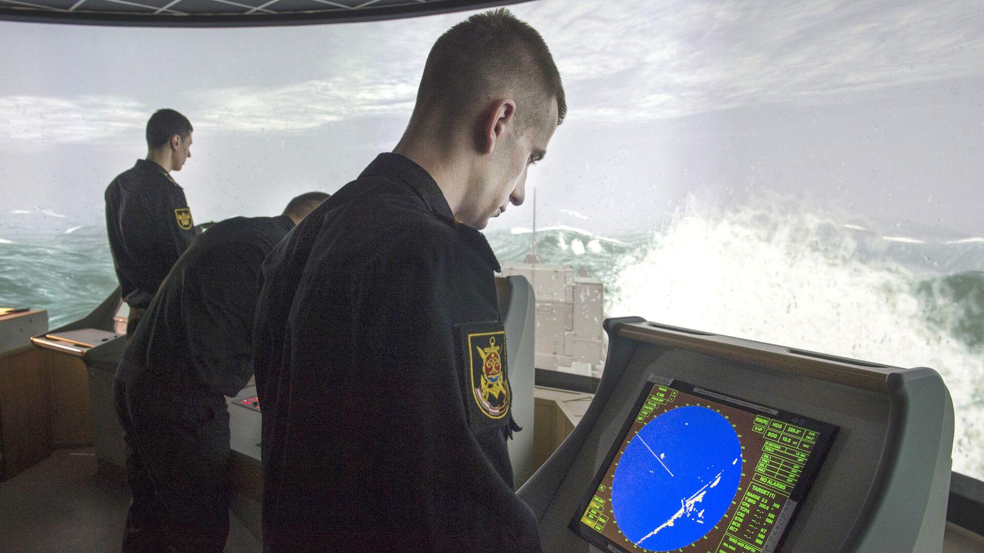 Тренировки корабельного боевого расчета МРК Ураган в Санкт-Петербурге - РИА Новости, 1920, 08.06.2021