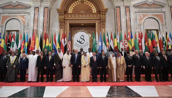 Президент США Дональд Трамп на саммите США-Исламский мир. 21 мая 2017