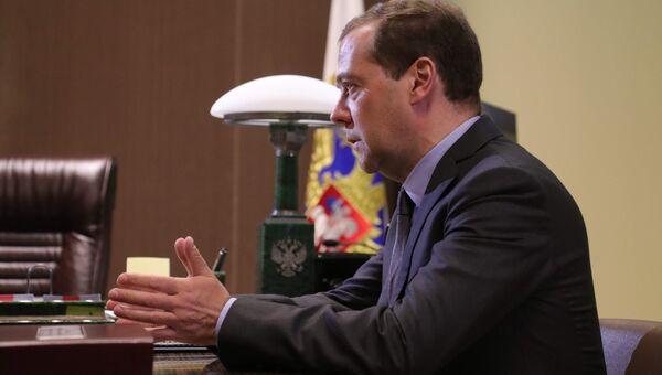 Председатель правительства РФ Дмитрий Медведев во время встречи с президентом РФ Владимиром Путиным. 19 мая 2017