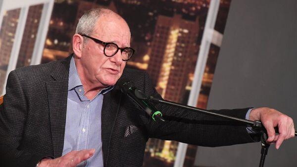 Эммануил Виторган во время творческой встречи в Москве