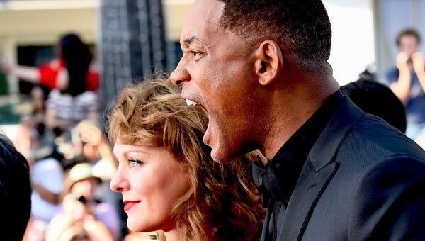 Члены жюри - сценарист Марен Аде и американский актер Уилл Смит на красной дорожке церемонии закрытия 70-го Каннского международного кинофестиваля
