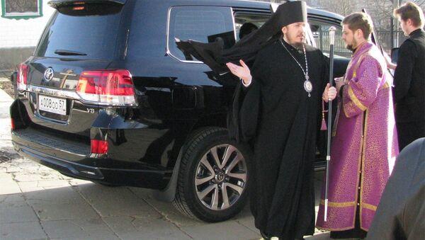 Внедорожник епископа Ливенского и Малоархангельского Нектария из Орла