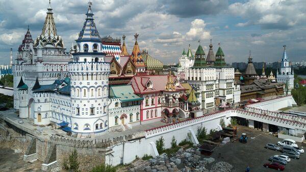 Центр культуры и развлечений Кремль в Измайлово в Москве.