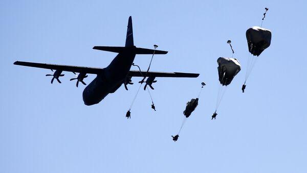 Парашютно-десантные учения США